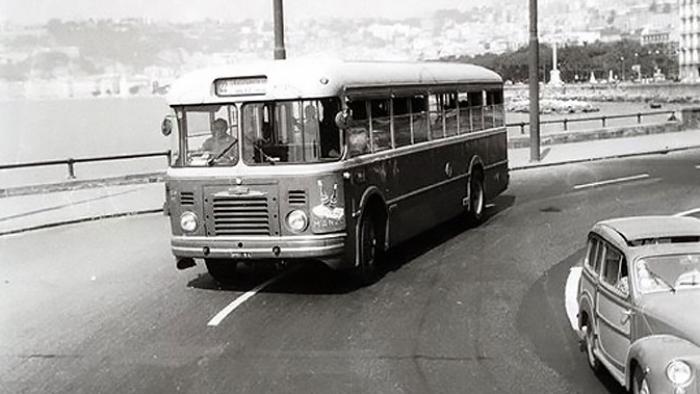 tutti-pazzi-per-gli-autobus-napoletani